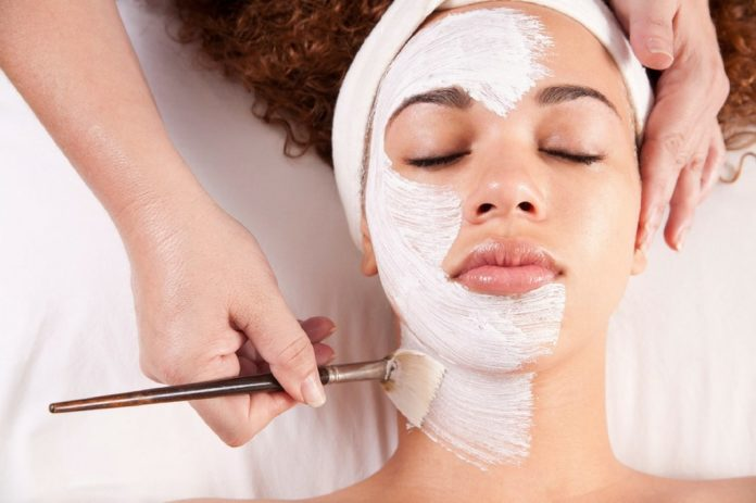 самые эффективные рецепты омолаживающих масок для лица