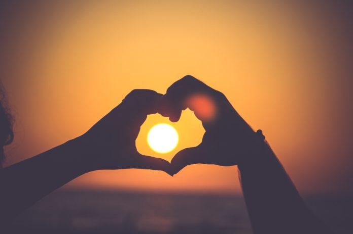 Как признаться в любви, не потратив много денег